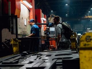 Фото со съемок фильма о тракторном заводе