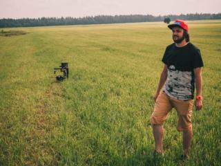 Кадры со съемки фильма для тракторного завода