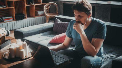 Кирилл Борисов продюсер за съемками рекламного ролика