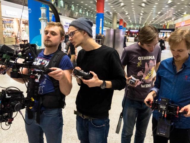 Команда снимает дубль в Пулково